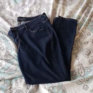 EUC Old Navy rockstar mid-rise jeans